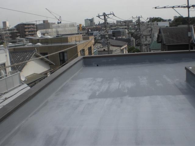 防水主材1層目塗布完了