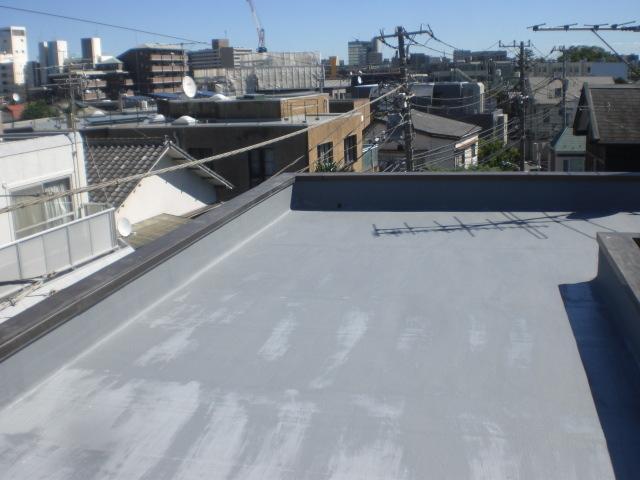 防水主材2層目塗布完了