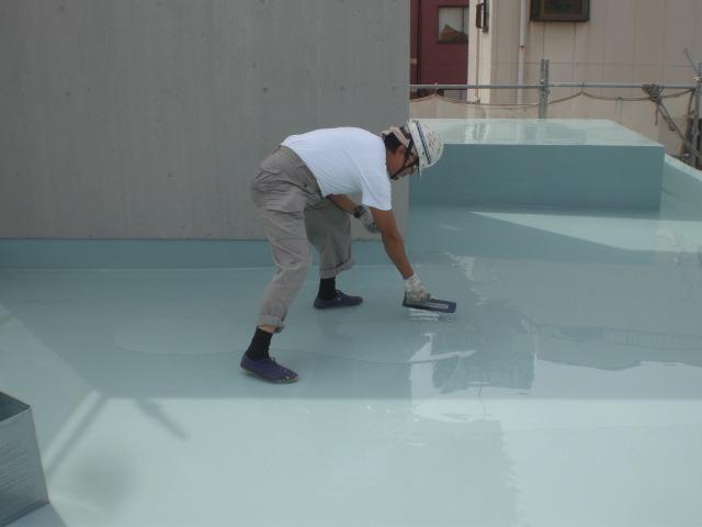 ウレタン塗膜防水材2層目塗布