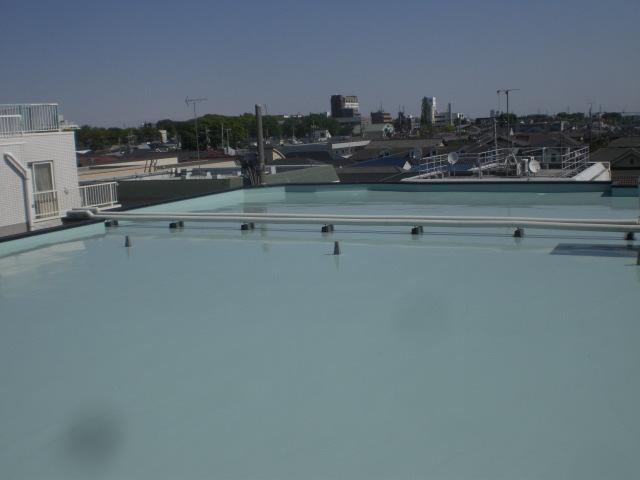 ウレタン塗膜防水材1層目塗布完了