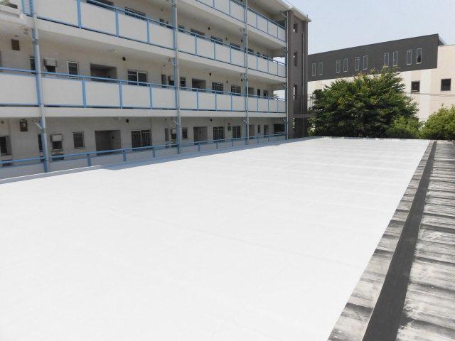 練馬区内某地区区民館屋根防水工事(水上)