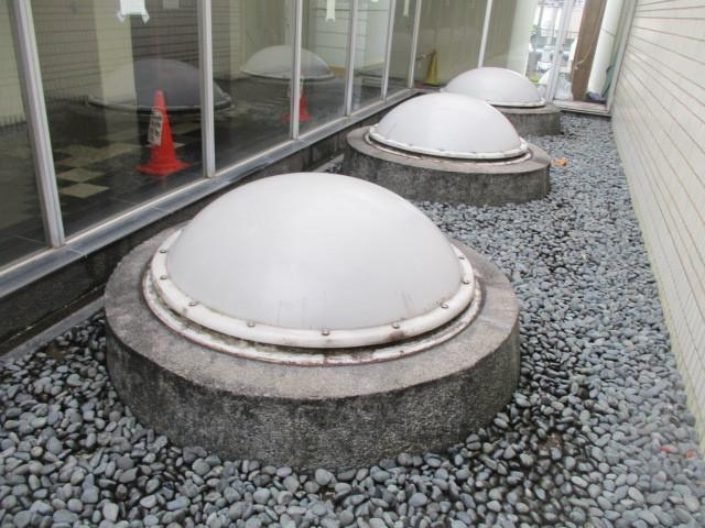 廊下トップライト防水工事